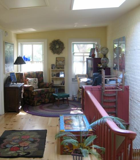 71-upstairs-open-loft-area1