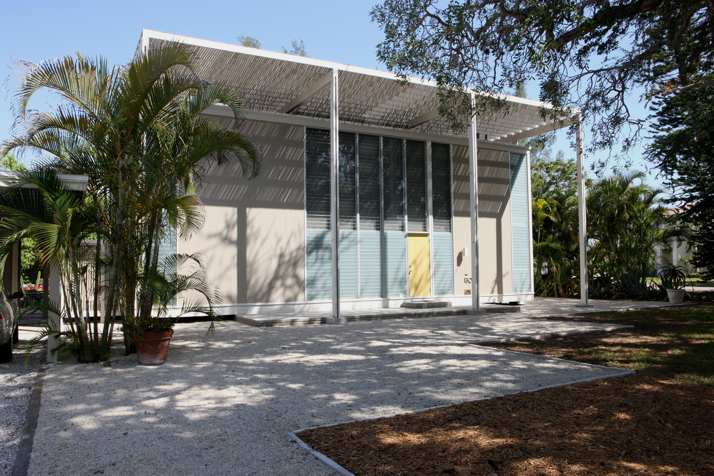 Florida c a s a c a r a old houses for fun profit for Architecture upbrella